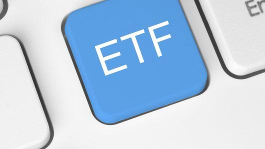 E4: Cryptocurrency ETFs